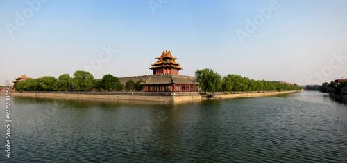 Photo Stands Beijing Watch tower of Forbidden City at dusk