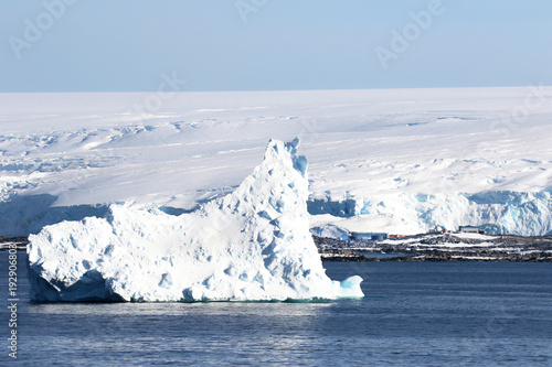 Foto op Canvas Antarctica Antarctica on a Sunny day- Antarctic Peninsula - Huge Icebergs and blue sky