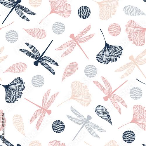 bezszwowy-wzor-z-dragonflies-i-ginkgo-urlopem