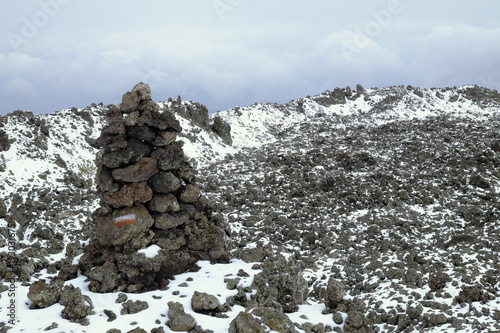 Mountain Trail Mark In Winter Etna Park, Sicily Tapéta, Fotótapéta