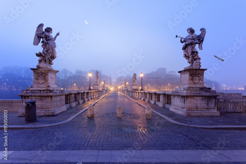 Stampa su Tela  Saint Angel bridge in Rome