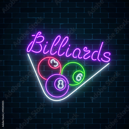Fotografia Glowing neon signboard of bar with billiards on brick wall background