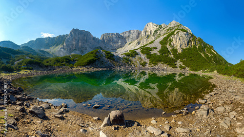 Plakat Sinanitsa szczyt i Sinanishko jezioro, Pirin góra, Bułgaria