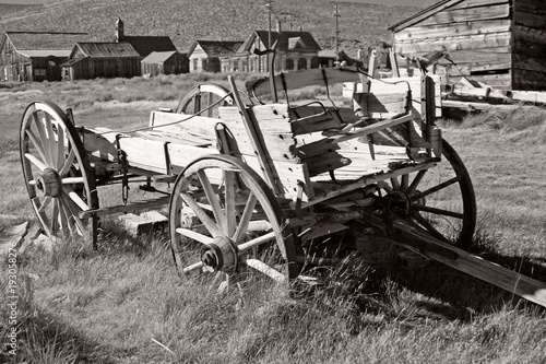 Fototapety, obrazy: Old Cart in Bodie California Black & White
