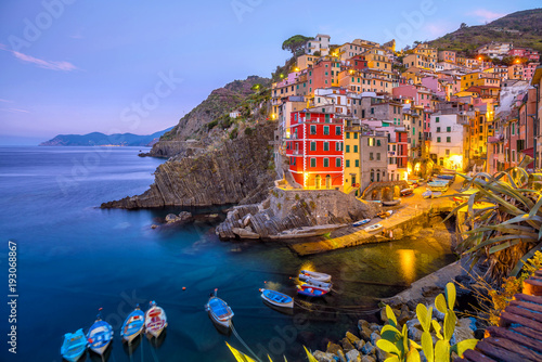 Fotobehang Liguria Riomaggiore, the first city of the Cique Terre in Liguria, Italy
