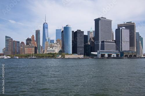 Tuinposter New York City Skyline of South Manhattan in New York