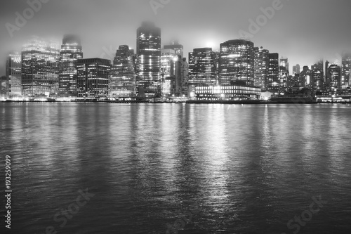 Foto op Plexiglas New York TAXI Manhattan at a foggy night, New York City, USA