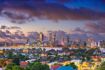 Perth. Zračna slika gradskog krajolika horizonta Pertha, Australija tijekom dramatičnog zalaska sunca.