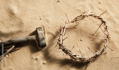 Fotografija Religious Easter background with crown of thorns