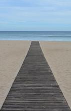 Straight Walk To The Sea