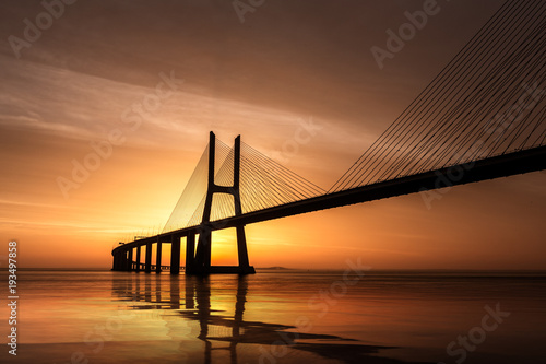 Photo  Pont Vasco da Gama Lisbonne Portugal