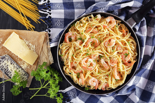 tasty Creamy Parmesan Linguine with Shrimps