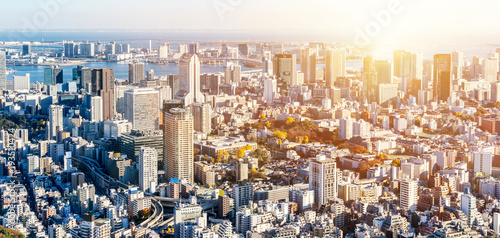 Papiers peints Barcelona Asia Business concept for real estate and corporate construction - panoramic modern city skyline bird eye aerial view of Odaiba & Tokyo Metropolitan Expressway junction in Roppongi Hill, Tokyo, Japan