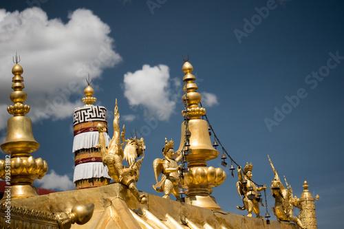 Deurstickers Bedehuis Jokhang Temple Tibetan Buddhism Lhasa Tibet