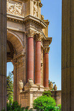 Column Of The Palace Of Fine Arts - San Francisco, California, USA. Palace Of Fine Arts Museum At Sanny Day In San Francisco.