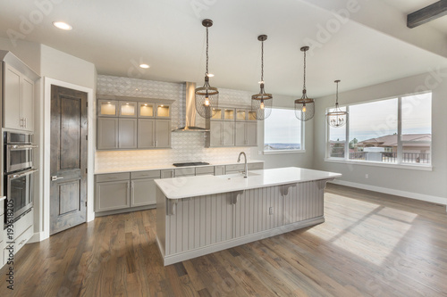 Photo  Beautiful Farm House Kitchen