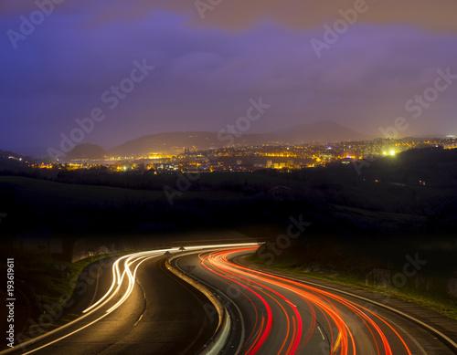 Keuken foto achterwand Nacht snelweg Car lights going to the city at night