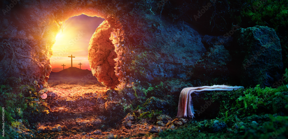 Fotografia Crucifixion At Sunrise - Empty Tomb With Shroud - Resurrection Of Jesus Christ