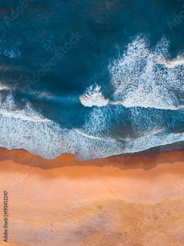 Fotografía  Aerial view of empty beach coastline.