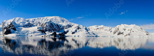 Poster Antarctica Antarctic seascape with reflection