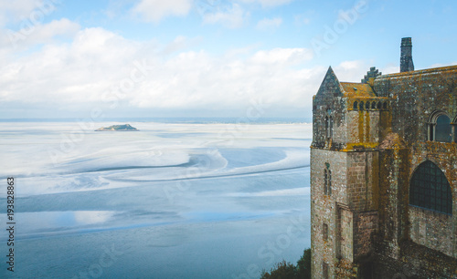 Stampa su Tela Scenic view on small Tombelaine tidal island and fragment of abbey on Le Mont Sa