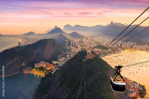Poster Brésil Night view of Copacabana beach, Urca and Botafogo in Rio de Janeiro