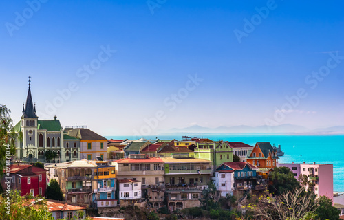 Photographie  View on Cityscape of historical city Valparaiso