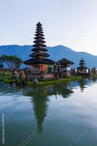 Tuinposter Bali Pura Ulu Danau Bratan Temple in Bali. Early morning, sunrise, twilight, nobody