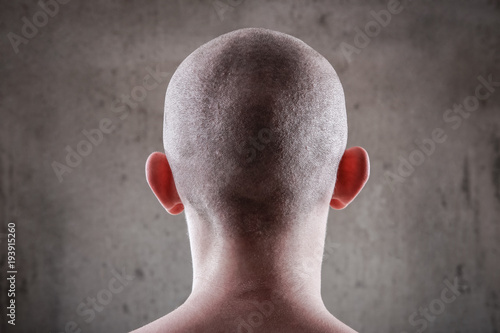 Young man with a shaved head Fototapet