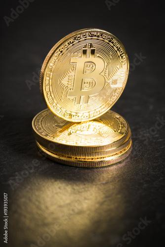 Bitcoin Münzen Kaufen Sie Dieses Foto Und Finden Sie ähnliche