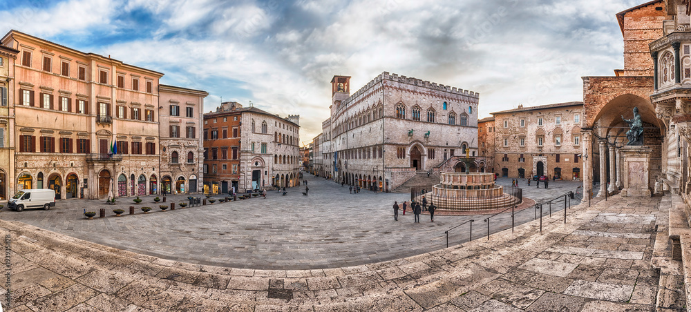 Fototapety, obrazy: Panoramic view of Piazza IV Novembre, Perugia, Italy