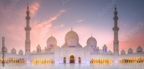 Poster Abou Dabi Sheikh Zayed Grand Mosque at sunset Abu-Dhabi, UAE