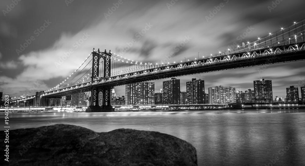 Fototapeta View of the Manhattan Bridge from DUMBO, Brooklyn, New York