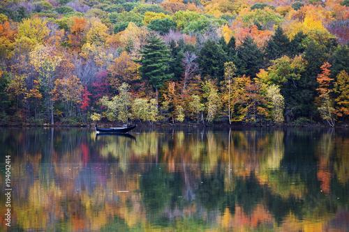 Fototapeta premium Kolory jesieni w Quebecu w Kanadzie