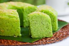 Pandan Chiffon Cake Traditiona...