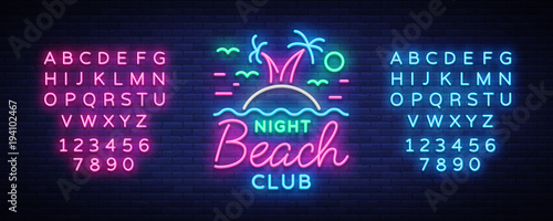 Fotografía  Beach nightclub neon sign