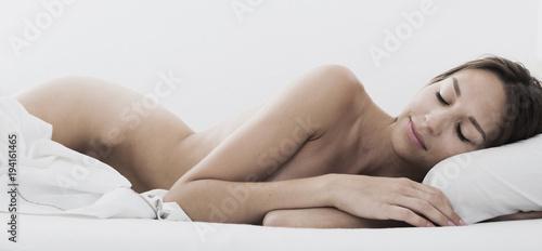 Deurstickers Akt naked woman sleeping