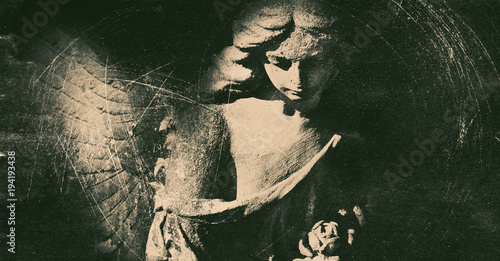 Foto auf Gartenposter Historische denkmal Vintage image of ancient statue of angel. Retro stylized. (faith, religion, Christianity, death, immortality concept)
