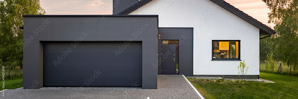 Fototapety, obrazy: Modern house with garage