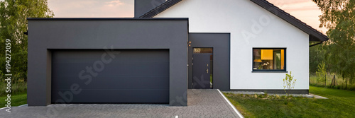 Fotomural Modern house with garage