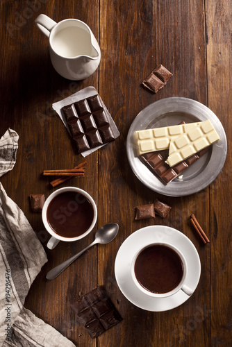 Spoed Foto op Canvas Chocolade Hot chocolate cups and chocolate bars.