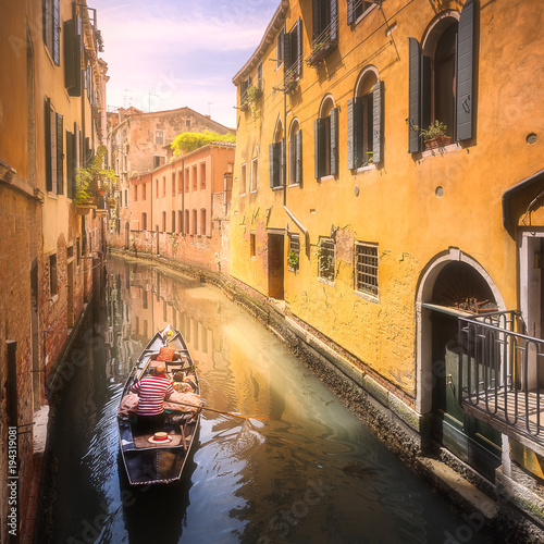 Poster Channel Venecia canal with boats and gondolas, Italy