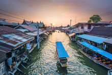 Amphawa Floating Market, Samut Songkhram, Bangkok, Thailand