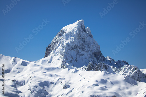Fotomural close up of beautiful mountain top pic du midi in pyrenees mountain range, franc