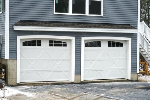 Photo Close up on facade view of garage door