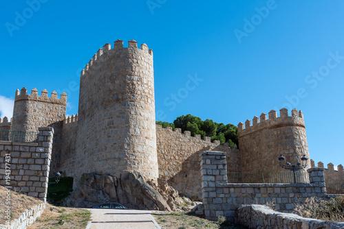 Fotografia The imposing medieval city wall of Avila in Spain