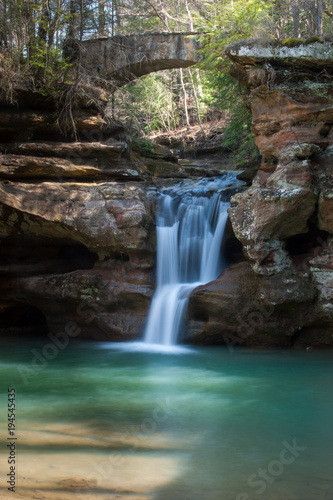 Fototapeten Forest river Serene waterfall in the Hocking Hills State Park in Ohio