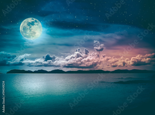 Poster Mer / Ocean Landscape of sky with full moon on seascape to night. Serenity nature.