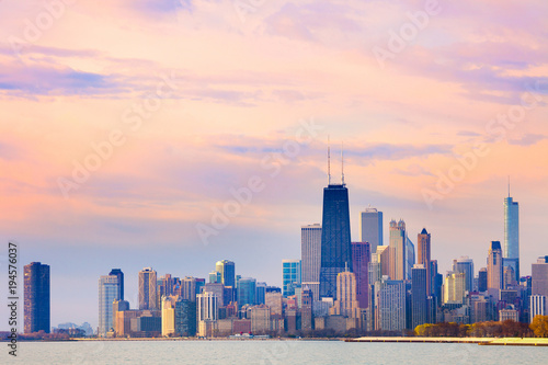 Foto auf Gartenposter Chicago Downtown city skyline of Chicago at dawn, Illinois, USA