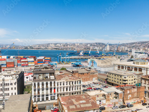 Poster Havana Overview of the city of Valparaiso, the main port of Southamerica, in Chile